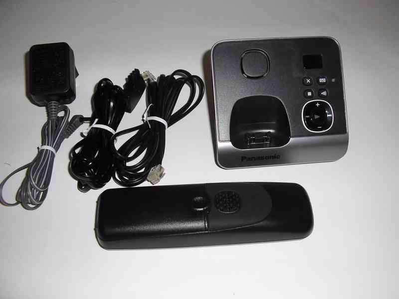Bezdrátový telefon Panasonic KX-TG6721GB - foto 3
