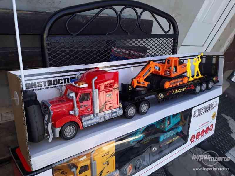 399KČ  R/C model Kamion Truck Max + BAGR  DELKA 63CM - foto 9
