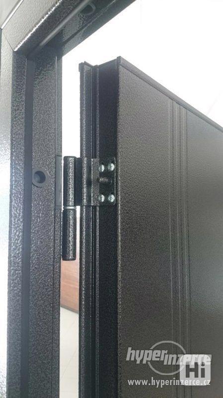 Vchodové dveře z pozinkované oceli - foto 5