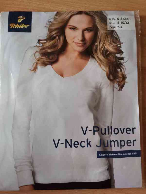 Dámský svetr bílý Pulovr s výstřihem do V - foto 2