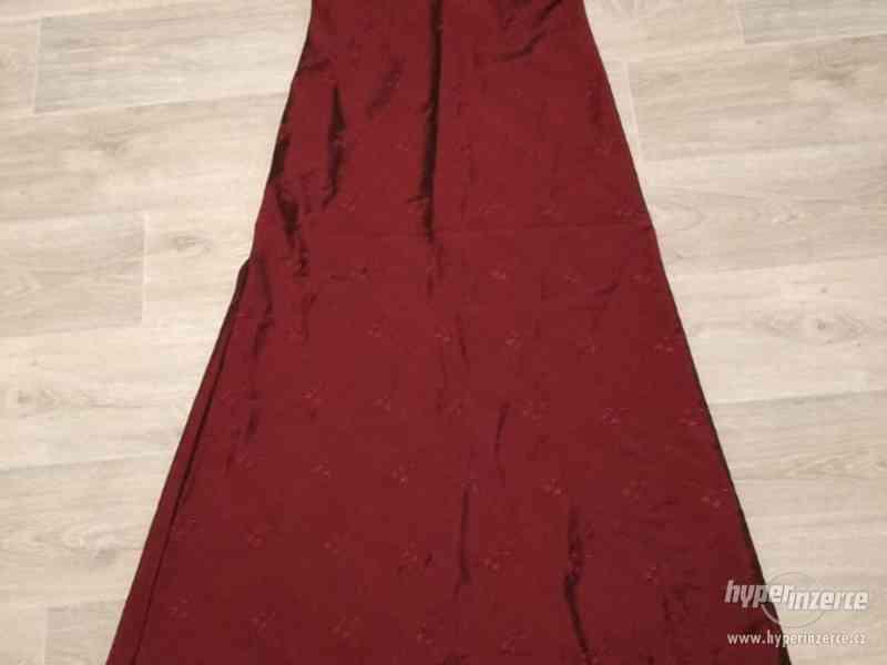 Dámské plesové šaty dlouhé, vínově červené