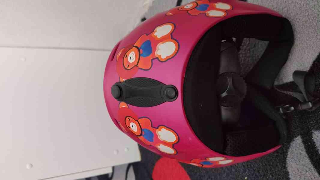 Dětské lyže Sporten mini 92, vázání Tyrolia, helma - foto 6