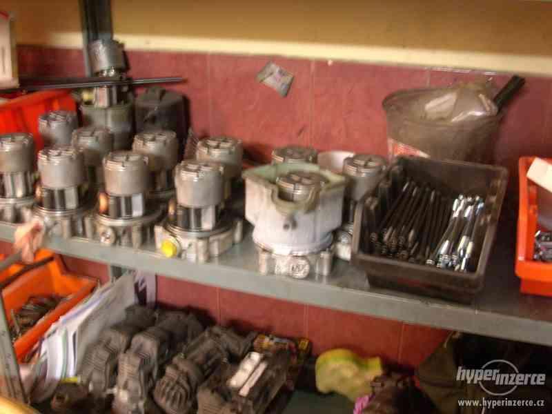 Kompresor vzduchového podvozku - foto 3