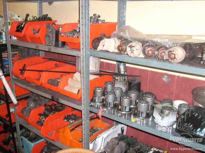 Kompresor vzduchového podvozku - foto 6