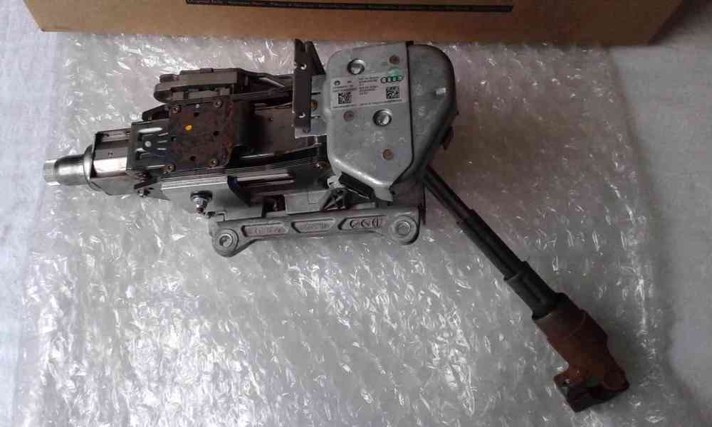 Audi A6 4F - sloupek řízení