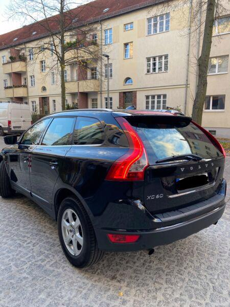 Volvo XC60 T5 benzín 177kw - foto 8