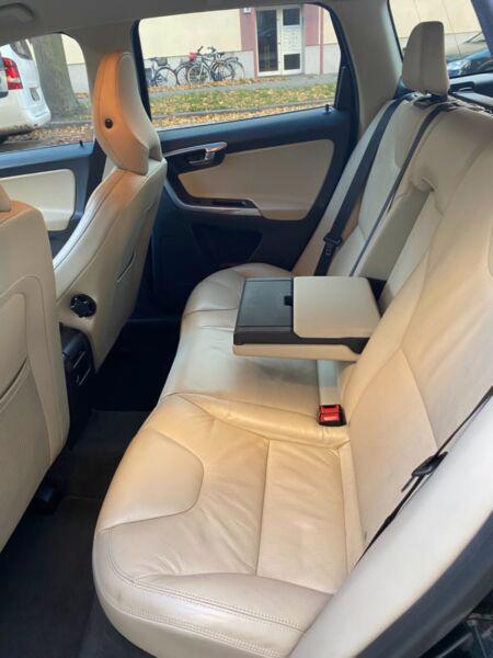Volvo XC60 T5 benzín 177kw - foto 7