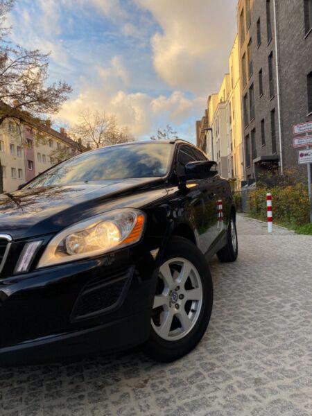 Volvo XC60 T5 benzín 177kw - foto 5