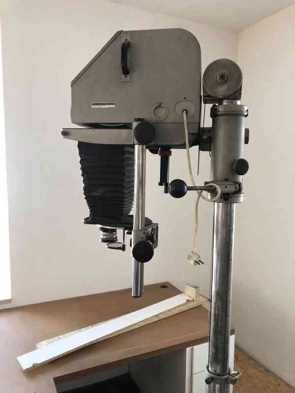 Zvětšovák DURST 138 na negativy až 13x18, obj 105 a 180mm