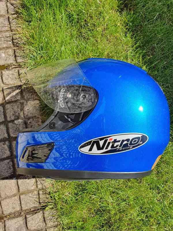 Modrá přilba Nitro Racing (XL)