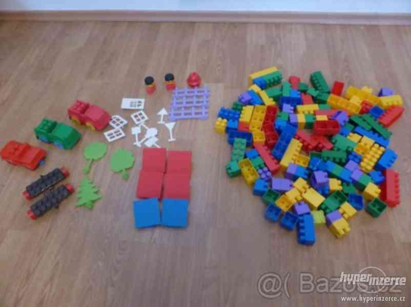 Stavebnice - plastové kostky Žako