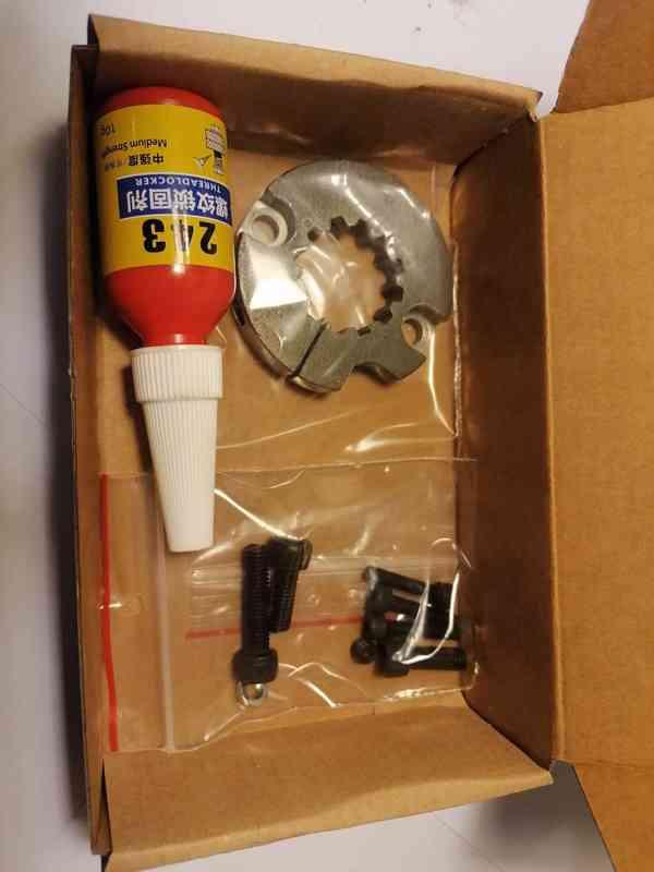 Svorný aretační přípravek na hřídele ozubeného kolečka Honda Transalp/Africa  - foto 5