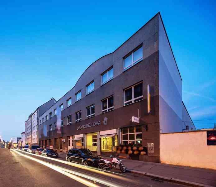 Nájem nebytového prostoru 526 m2, přízemí, Praha 9 (u O2 Are - foto 2