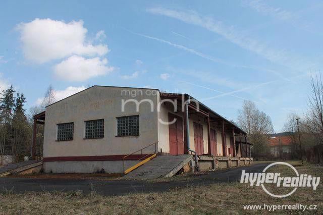 Nabízíme k dlouhodobému pronájmu zajímavý průmyslový areál v M. Lázních