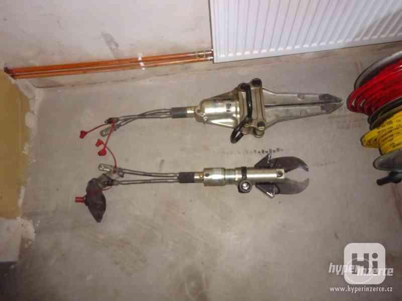 Hydraulické nůžky sada na vyprošťování - foto 3