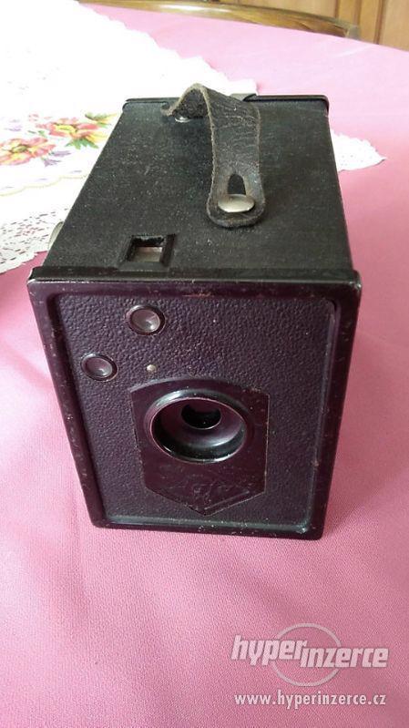 starý,historický fotoaparát Agfa Box 44