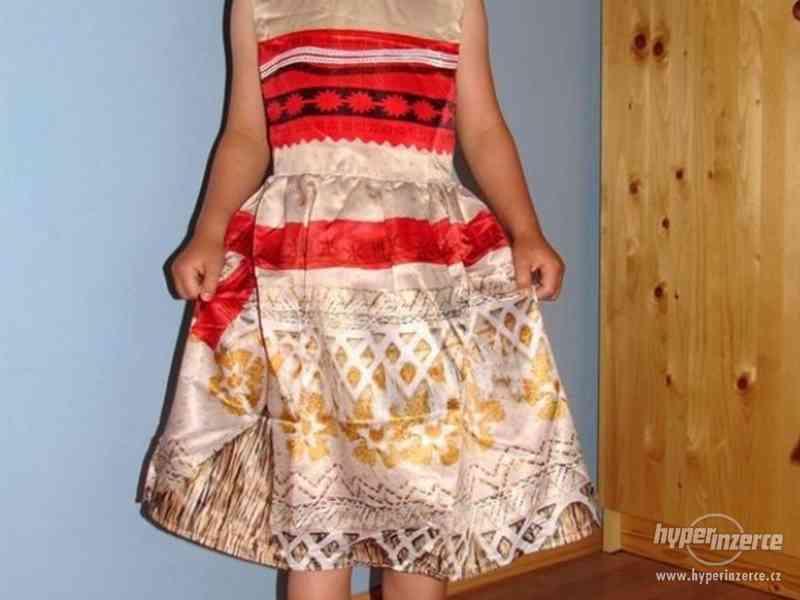 Odvážná Vaiana / Moana krásné lesklé šaty 6-10 let