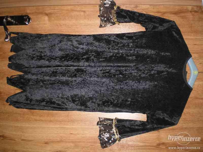 Kostým - šaty pro čarodějku