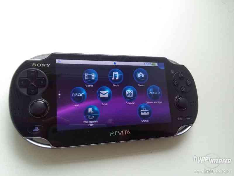 PS vita + 16 GB karta , pouzdro , 2 hry
