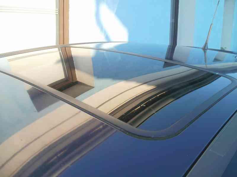 Prodám Opel Corsa 1.4/ 44 KW  R.V. 1996 - foto 9