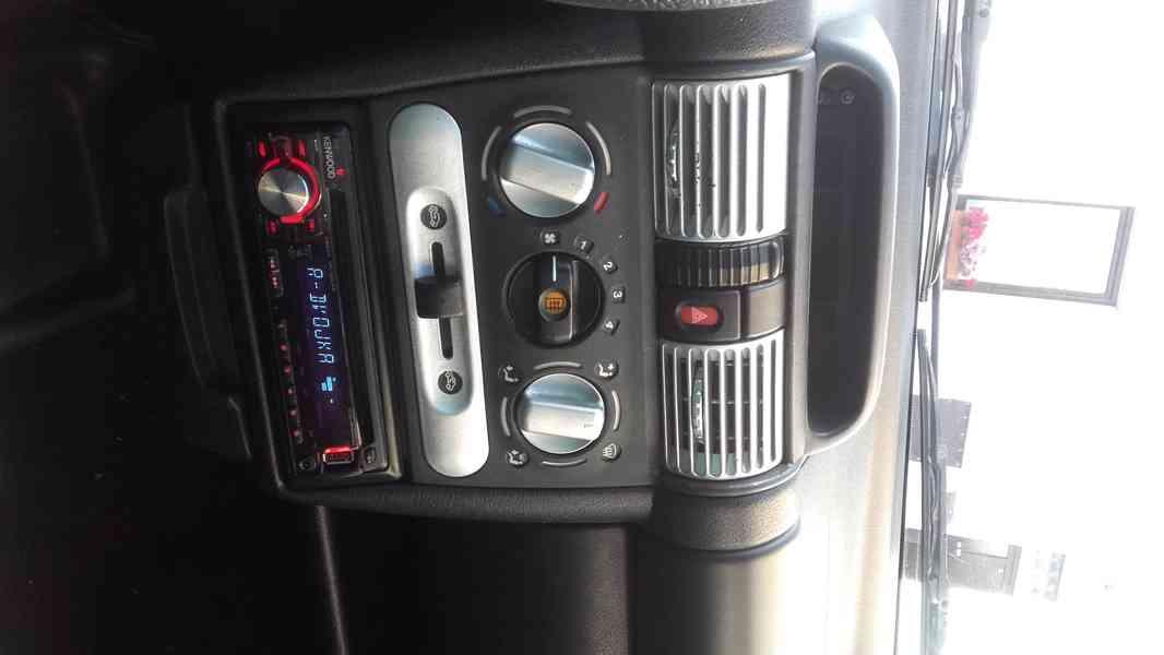 Prodám Opel Corsa 1.4/ 44 KW  R.V. 1996 - foto 5