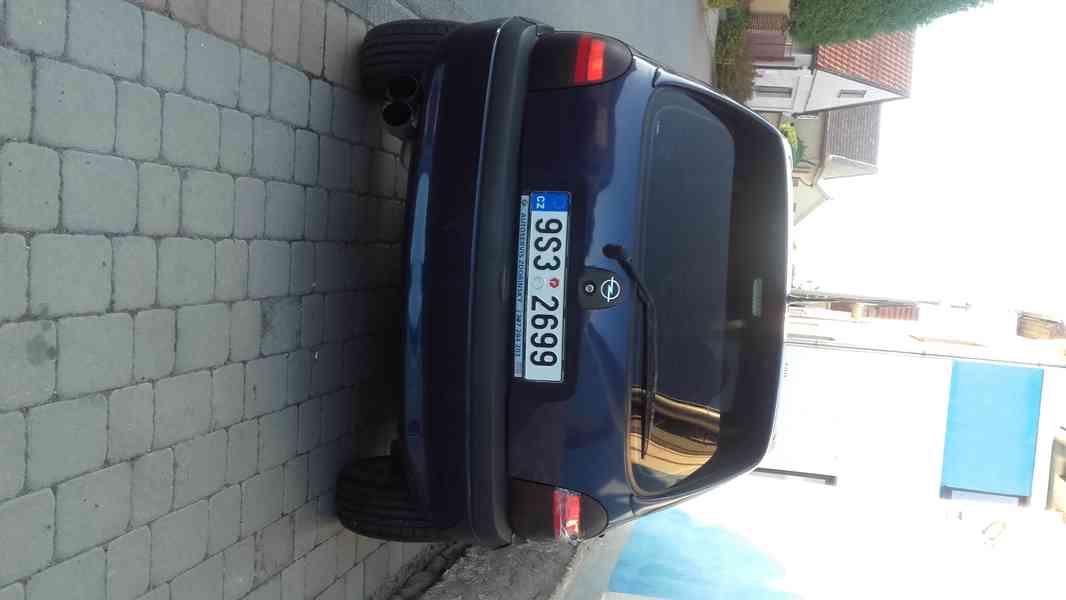 Prodám Opel Corsa 1.4/ 44 KW  R.V. 1996 - foto 2