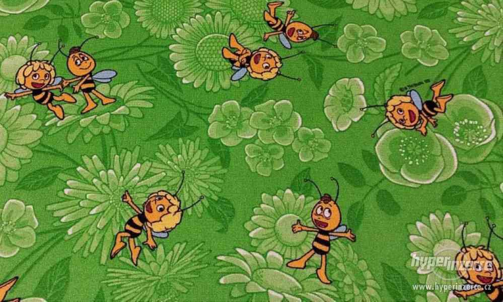 Dětský koberec zelený Včelka Mája nový 4 x 3,5 m