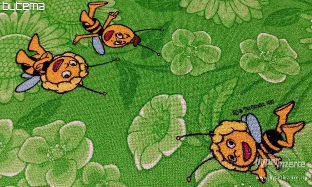 Dětský koberec zelený Včelka Mája nový 4 x 3,5 m - foto 2