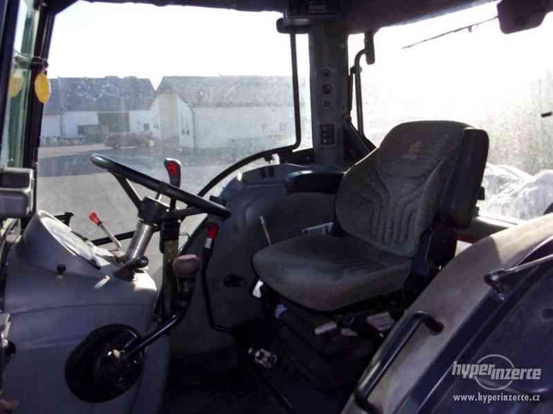 Traktor s čelním nakladačem MANIP - foto 4