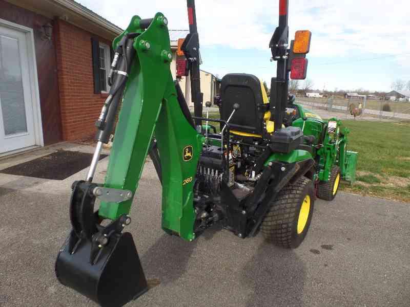 Traktor John Deere 1c02c5T - foto 3