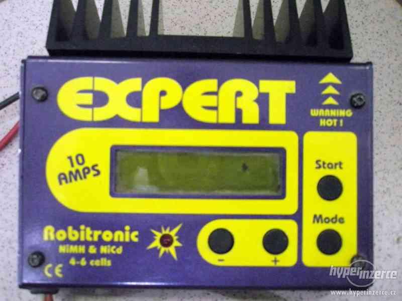 Modelářská nabíječka Robitronic Expert 10AMPS EXP-3P - foto 3