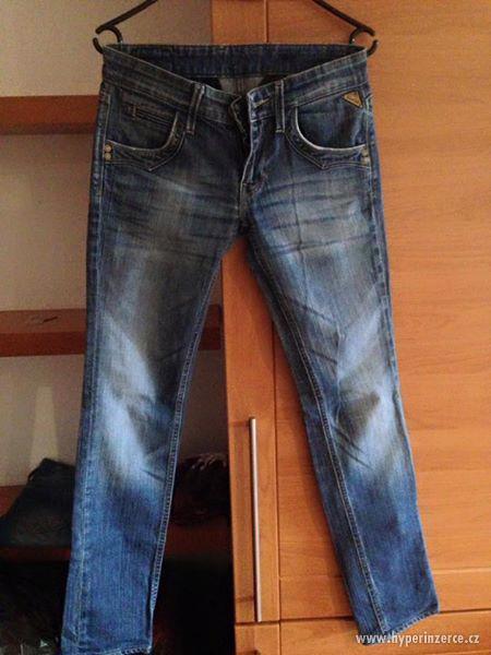 Tmavě modré džíny Replay