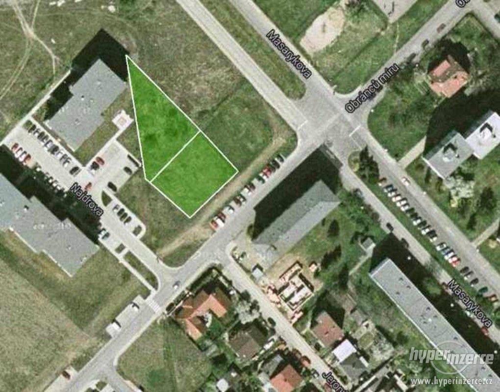 Exkluzivní komerční i nekomerční pozemek. Roztoky u Prahy - foto 1