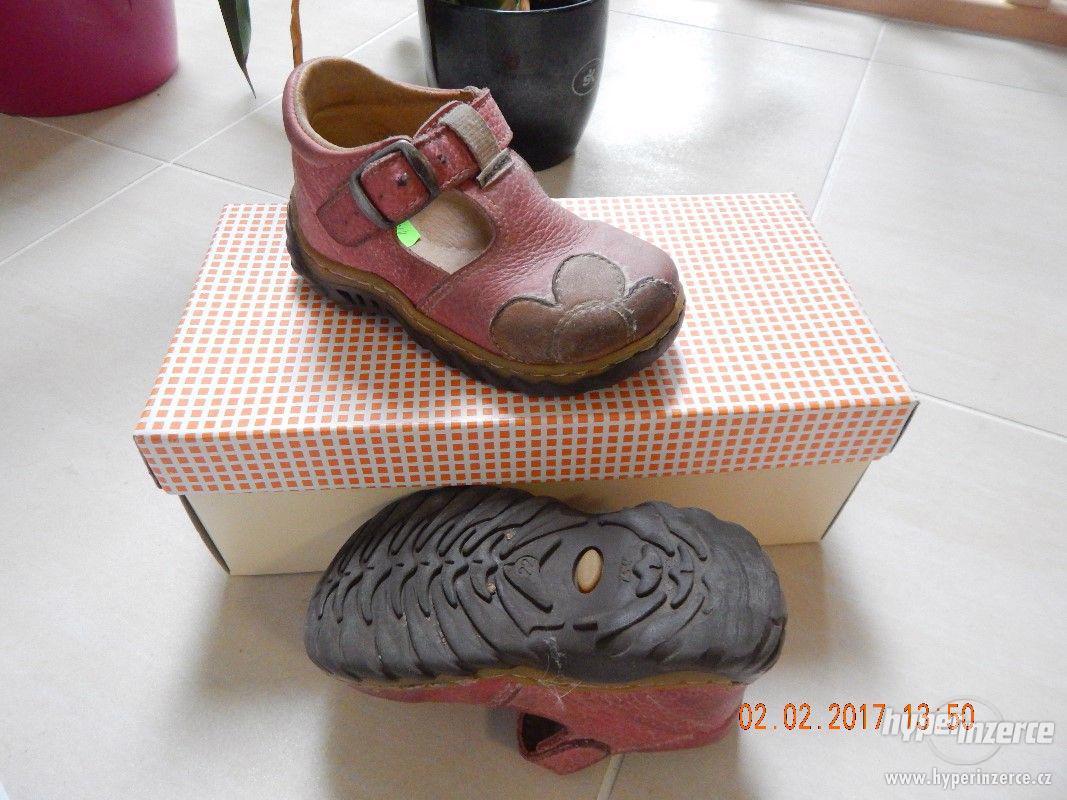 Dívčí sandálky kožené, vel.22 - foto 1
