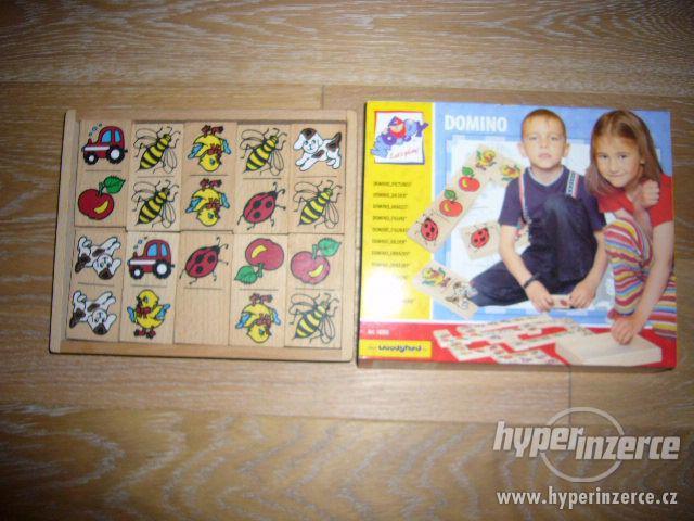 DOMINO - OBRÁZKY, zn. WOODY (30 hracích dřevěných kamenů) - foto 1