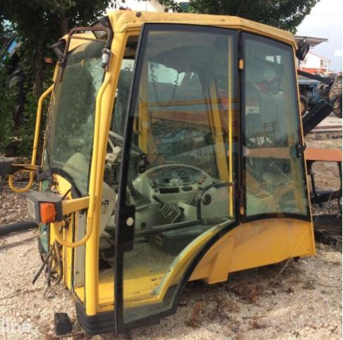 sklo sklá okná na minibagre a traktor bagre KOMATSU