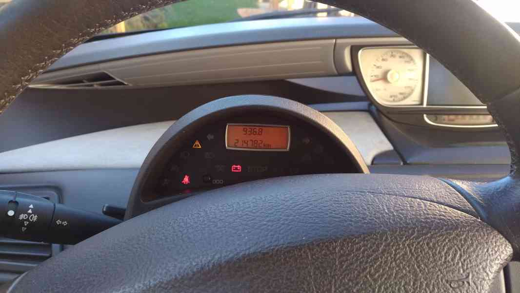 Peugeot 807 2.2hdi 94kW 2006 - foto 7