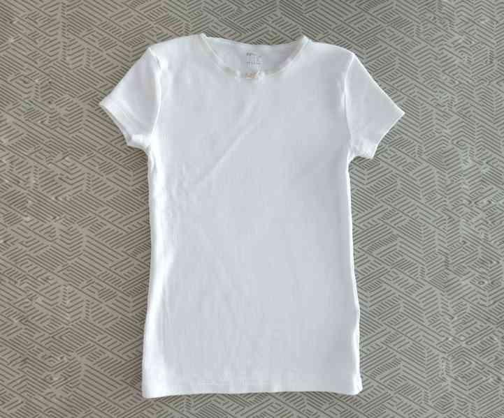 Moc pěkné podvlékací tričko, 11 - 12 let