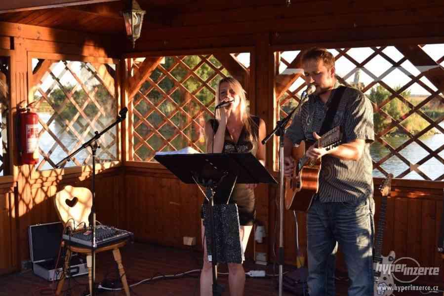 Aleš a Veronika - hudba na Silvestra - foto 6