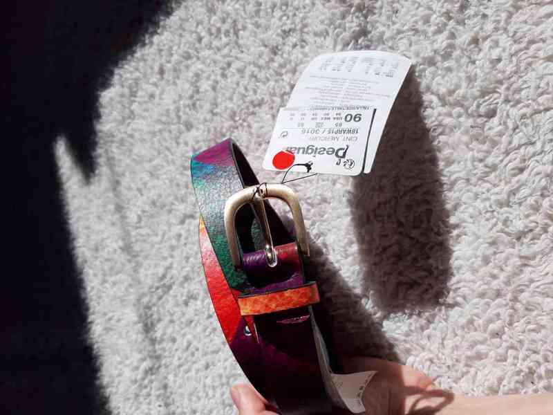 Nový barevný pásek Desigual 90 cm