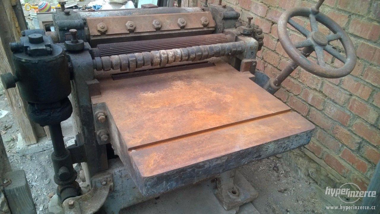 Prodám nefunkční hoblovku na dřevo - foto 1