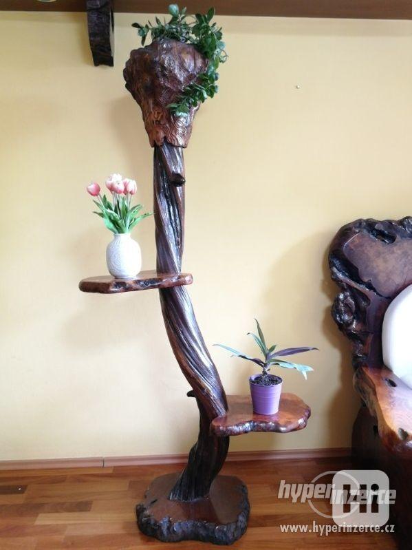 Stojan na kytky, vysoký, masivní dřevo
