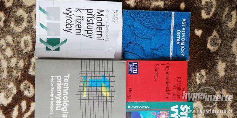 Knihy - foto 2