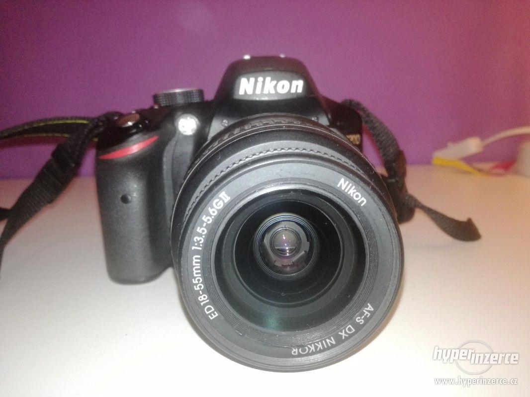 PRODÁM FOTOAPARÁT NIKON D3200 + 18-55 AF-S DX II - foto 1