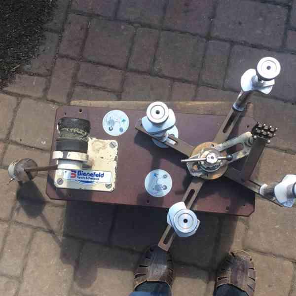 Starý stroj na vypletání tenisových raket - foto 2