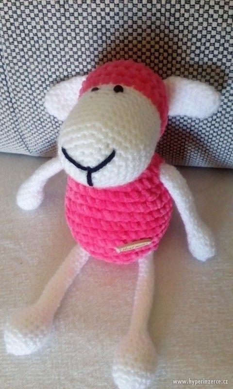 Ručně háčkovaná ovečka - foto 1