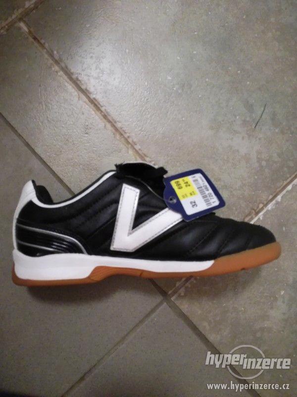 Sportovní dětské boty, vel.32