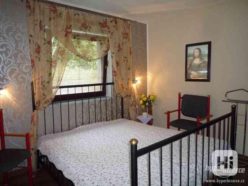 Jeseníky -Silvestrovsky týdenní pobyt- apartmán až 4 os. - foto 10