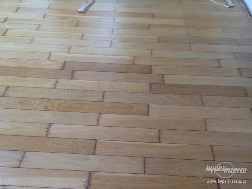 Pokládka a údržba dřevěných podlah a parket - foto 1