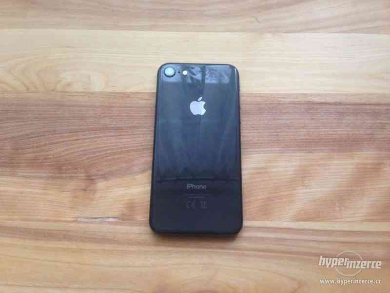 Apple iPhone 8, 64GB - foto 3